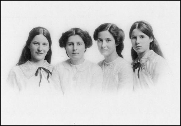 Mamie Martin and sisters
